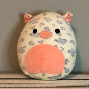 Pig Squishmallow 7 inch